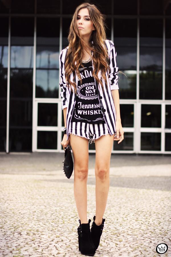 Look du jour - 01.04.2013 look du jour stripes listras preto e branco shorts Renner blazer Charry t-shirt (7)