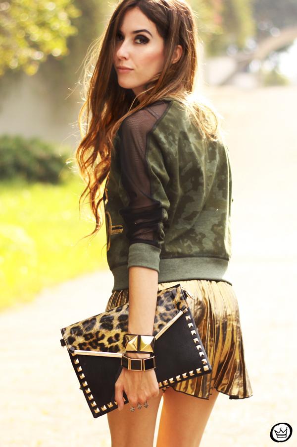 FashionCoolture - 27.05.2013 look du jour Labellamafia pleated golden jumper (2)