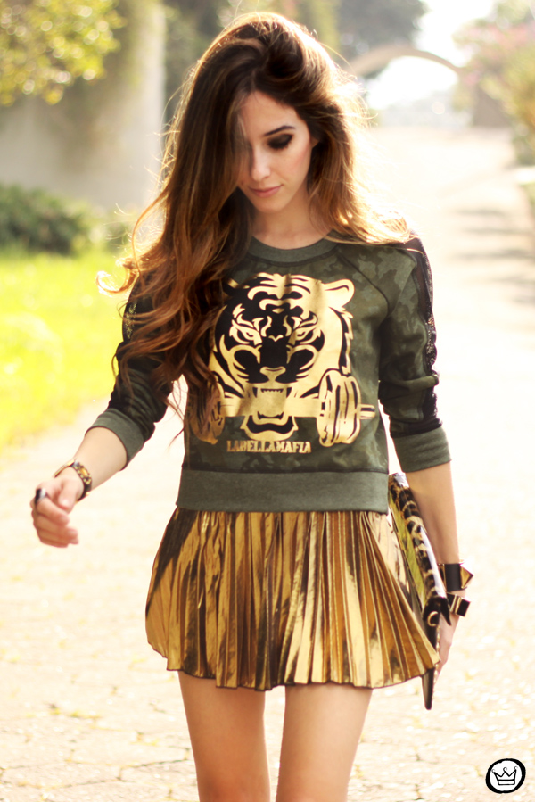 FashionCoolture - 27.05.2013 look du jour Labellamafia pleated golden jumper (7)