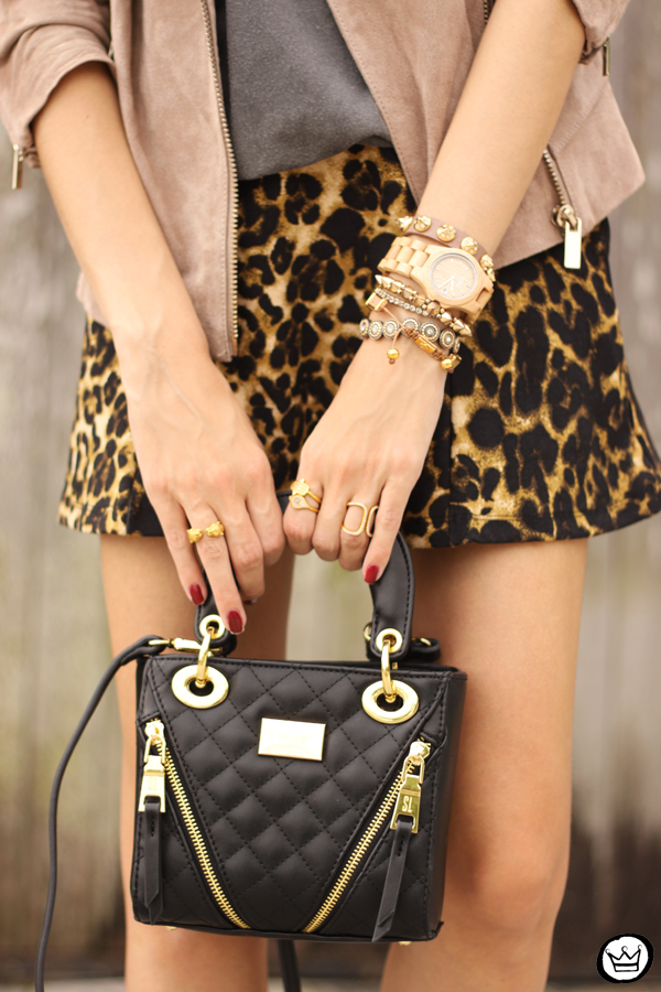 FashionCoolture - look du jour Dafiti leopard skirt leather jacket Santa Lolla boots (3)