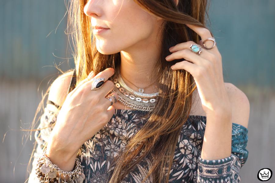FashionCoolture - 27.04.2015 look du jour Triton vestido étnico jaqueta jeans (4)
