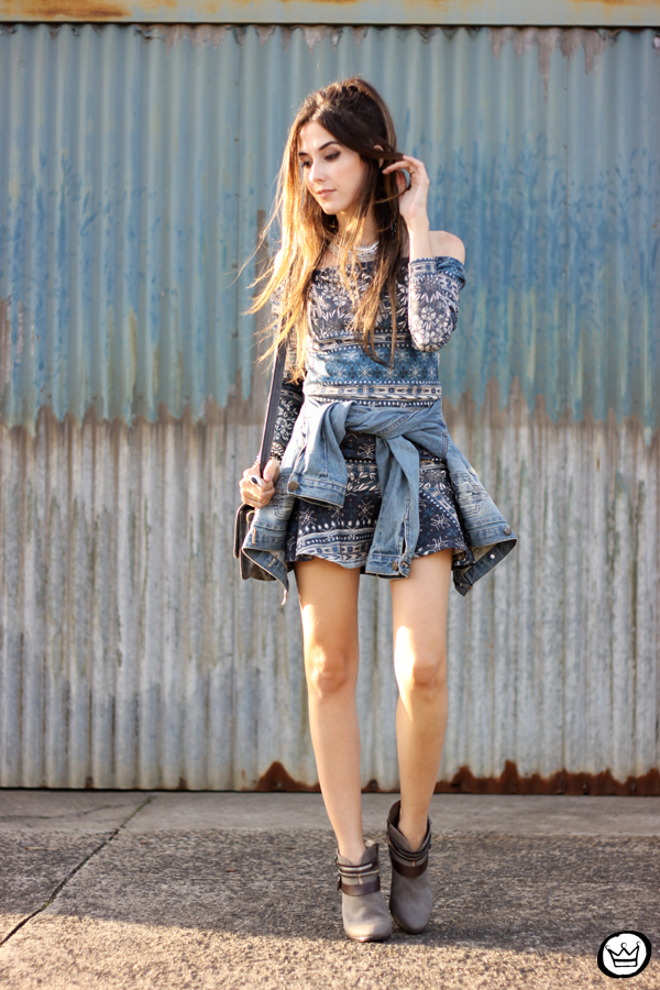 FashionCoolture - 27.04.2015 look du jour Triton vestido étnico jaqueta jeans (6)
