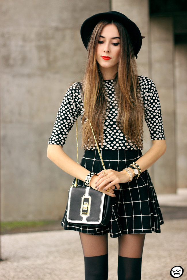 FashionCoolture - 26.05.2015 look du jour Black and white outfit polka dots top plaid skirt (2)