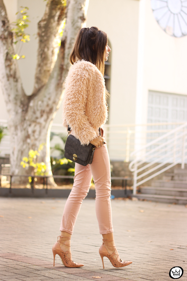 FashionCoolture - look du jour 05.05.2015 Gap pale pink khaki pants (3)