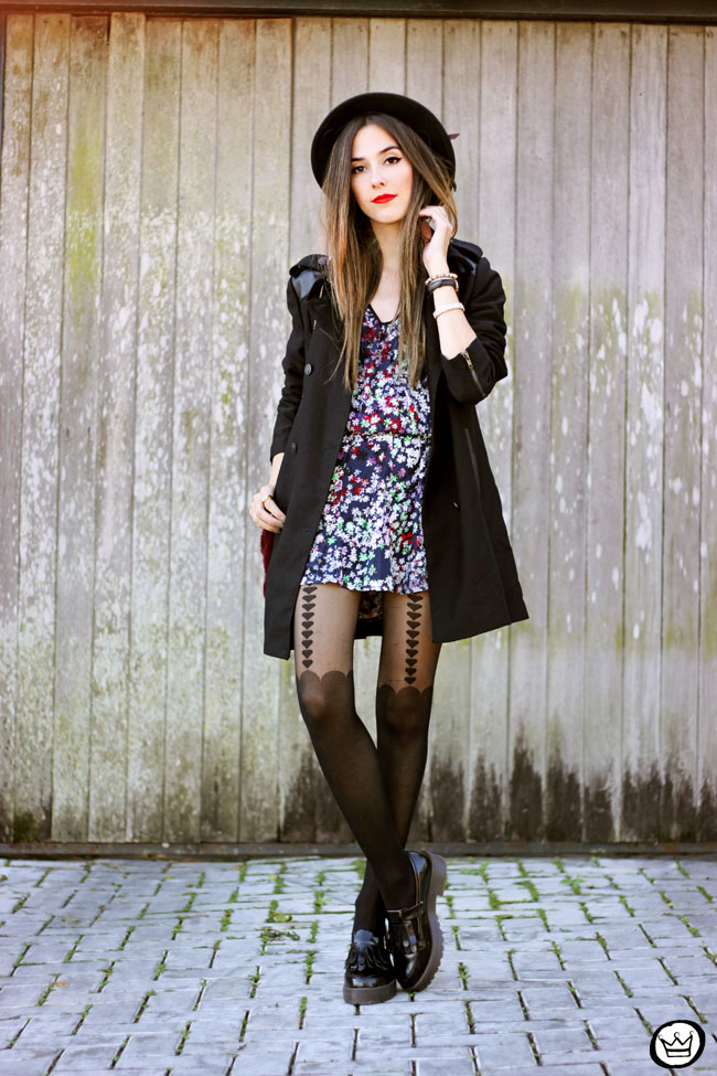 FashionCoolture - 02.06.2015 look du jour floral dress black coat Shoulder (1)