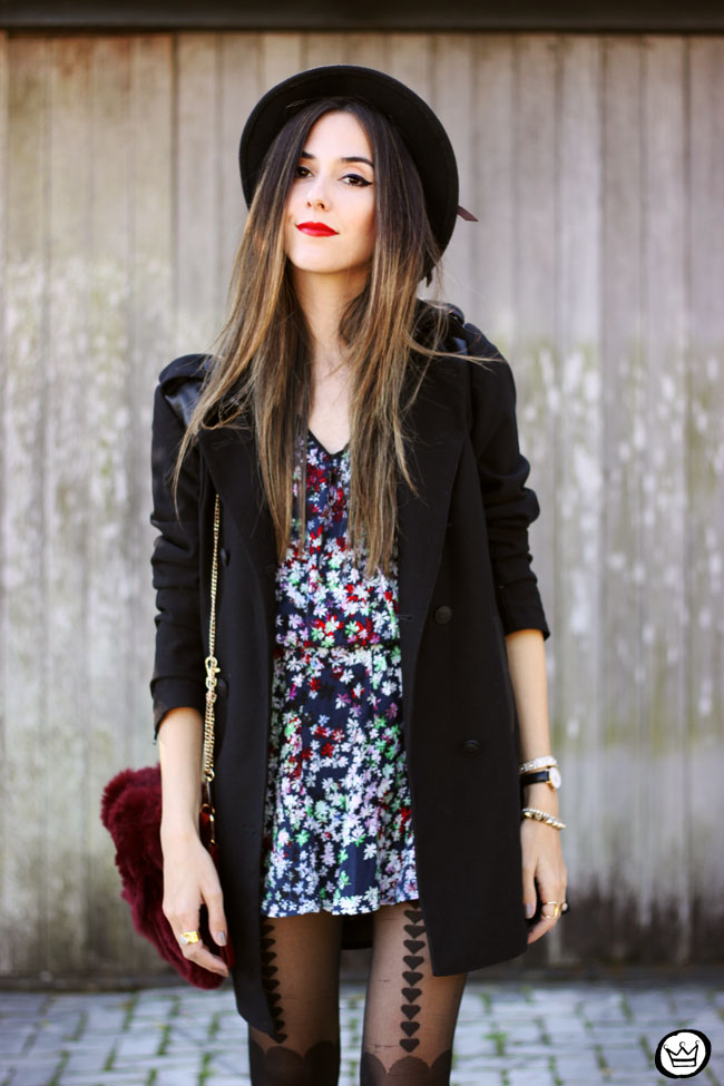 FashionCoolture - 02.06.2015 look du jour floral dress black coat Shoulder (5)