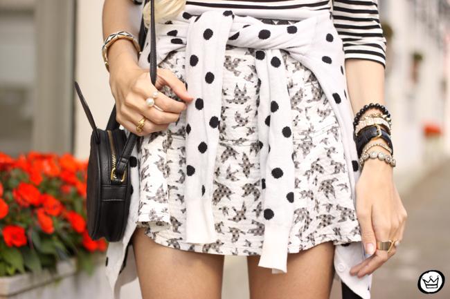 FashionCoolture - 04.08.2015 Slywear black and white mix of prints striped top (4)