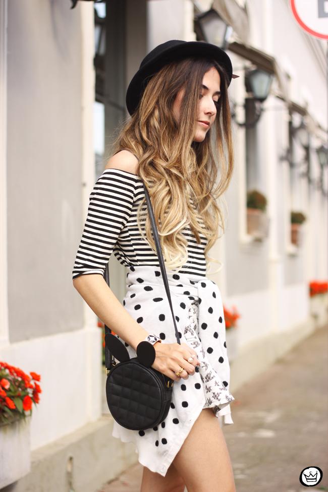 FashionCoolture - 04.08.2015 Slywear black and white mix of prints striped top (6)