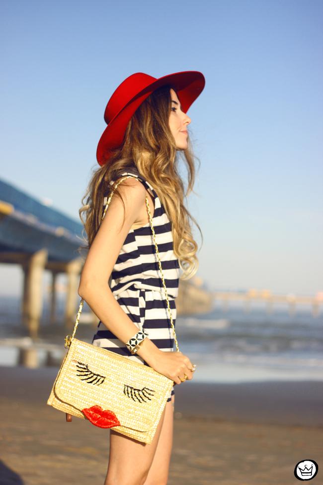 FashionCoolture - 07.08.2015 look du jour stripe dres navy look Carel shoes (4)