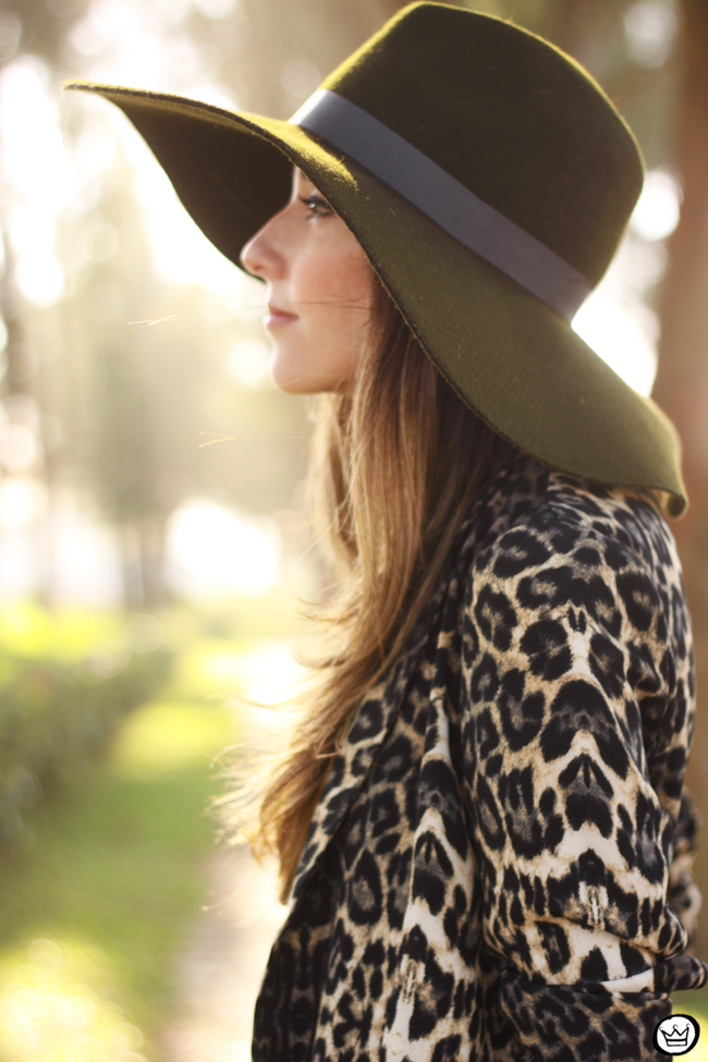 FashionCoolture - 13.08.2015 look du jour Displicent olive green leopard blazer (5)