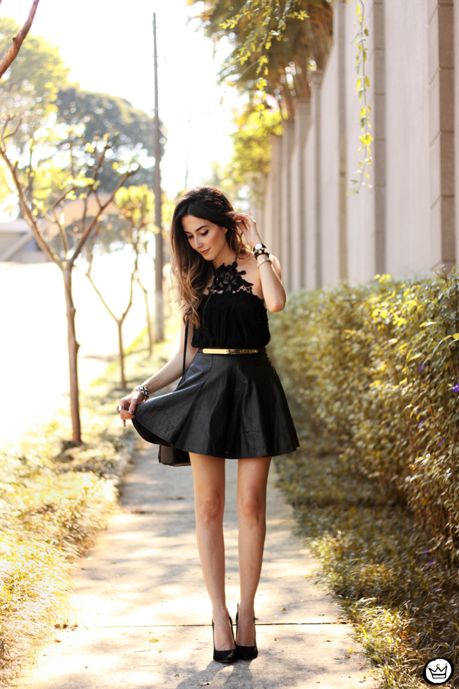 FashionCoolture - 03.09.2015 look du jour black Moikana lace top leather skirt girly outfit (1)