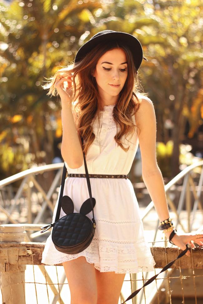 FashionCoolture - 23.09.2015 look du jour Gap white dress Converse (4)