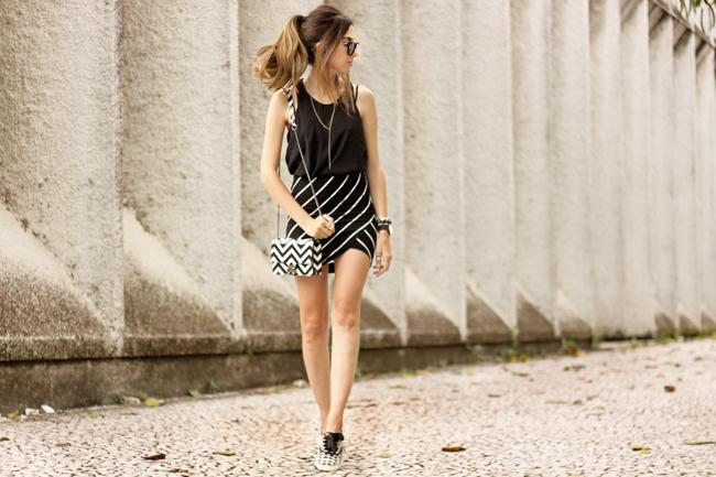 FashionCoolture - 28.09.2015 look du jour Dafiti mix de estampas preto e branco listras Keds (7)