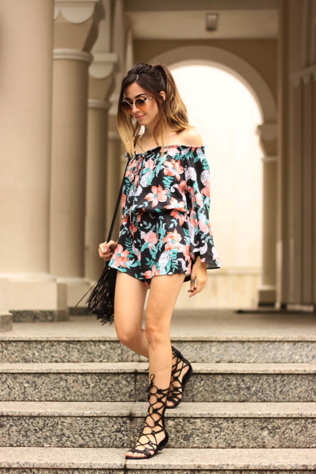 FashionCoolture - 29.09.2015 look du jour Shoulder printed romper gladiator sandals (6)