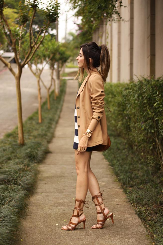 FashionCoolture - 02.10.2015 look du jour Amaro striped dress camel blazer gladiator sandals (3)