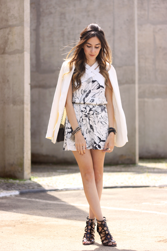 FashionCoolture - 19.10.2015 look du jour Shoulder white printed dress black heels (6)
