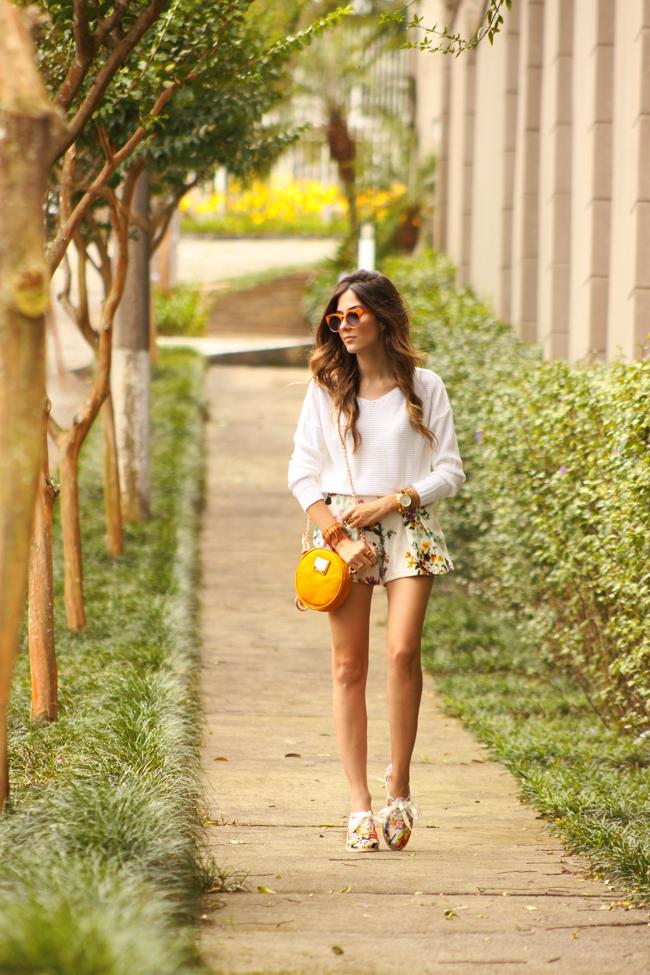 FashionCoolture - 17.11.2015 look du jour Dafiti floral shorts Keds (1)