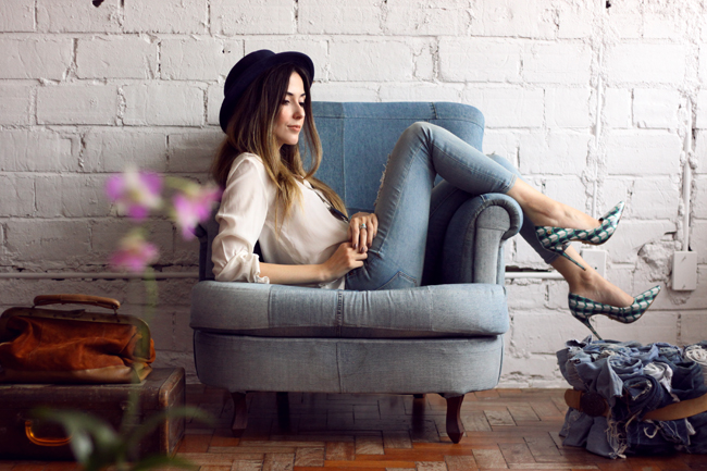 FashionCoolture - 18.11.2015 look du jour denim Gap Pandora bracelets (4)