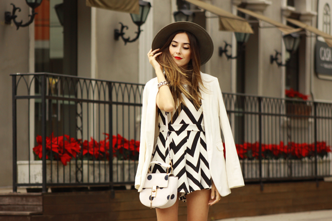 FashionCoolture - 04.12.2015 look du jour FashionFrezzie zig zag print black and white (2)