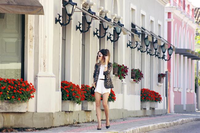FashionCoolture - 10.12.2015 look du jour Shoulder white romper leopard print (3)