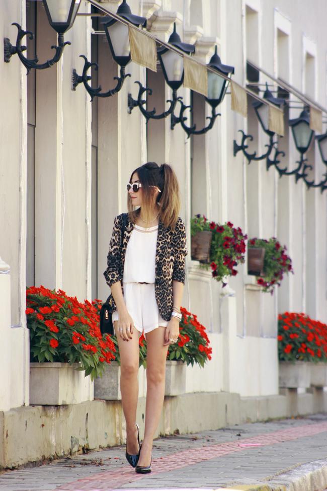 FashionCoolture - 10.12.2015 look du jour Shoulder white romper leopard print (6)