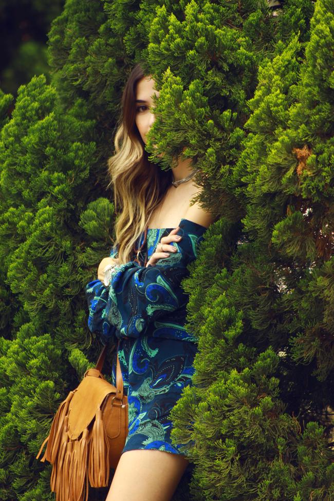 FashionCoolture - 29.12.2015 look du jour Shoulder paisley printed romper (2)