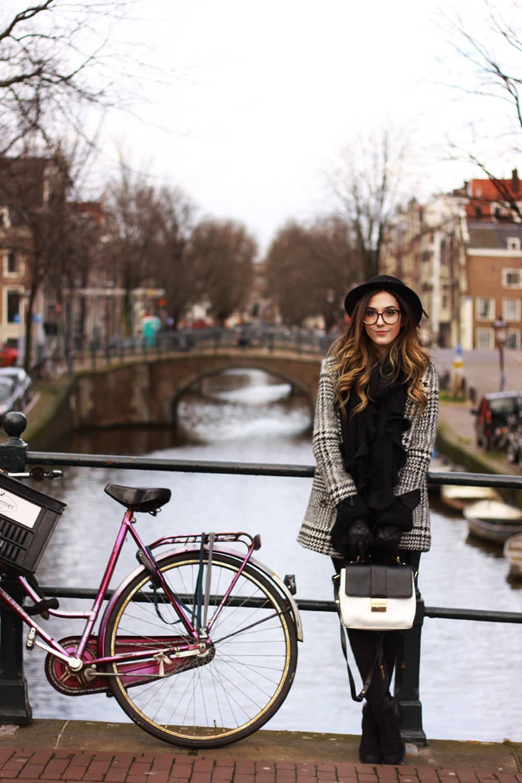 FashionCoolture - 16.02.2016 look du jour Amsterdam winter black and white coat (1)