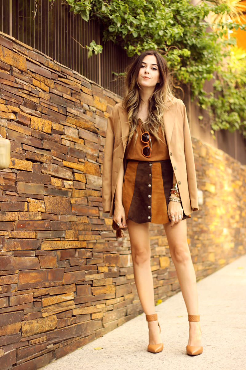 FashionCoolture - 10.03 look du jour Episode earth tones button front skirt camel outfit(1)