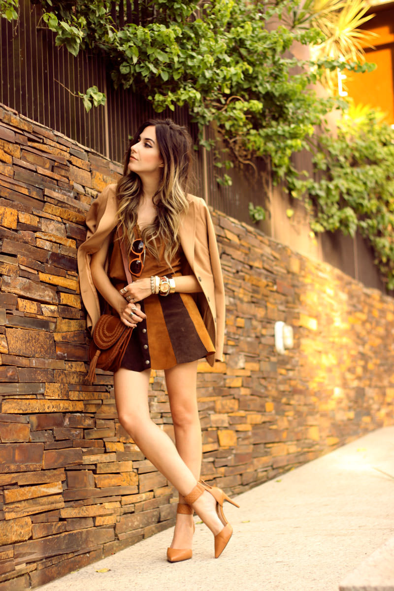FashionCoolture - 10.03 look du jour Episode earth tones button front skirt camel outfit(4)