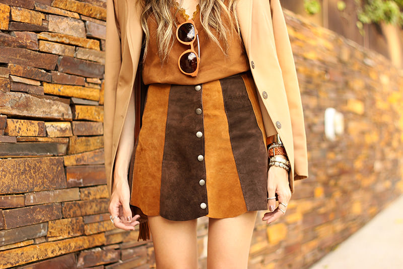 FashionCoolture - 10.03 look du jour Episode earth tones button front skirt camel outfit(5)