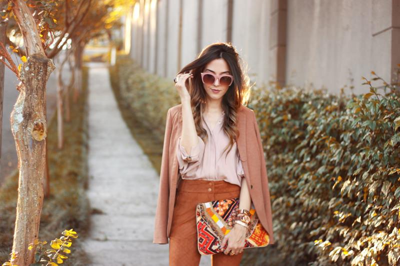 FashionCoolture - 06.04.2016 look du jour Shoulder camel suede pants blazer (2)