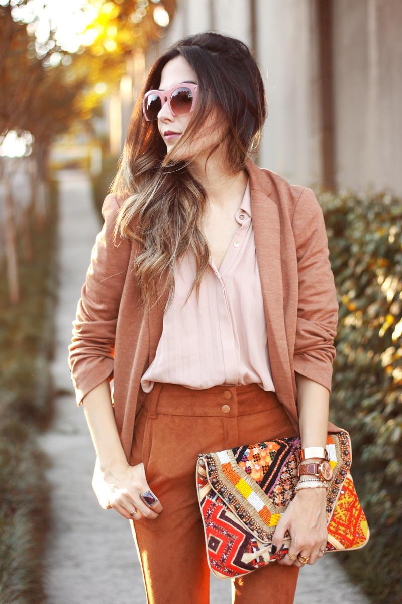 FashionCoolture - 06.04.2016 look du jour Shoulder camel suede pants blazer (5)