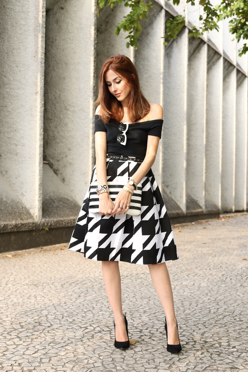 FashionCoolture - 12.07.2016 look du jour black and white pied de poule skirt midi (7)