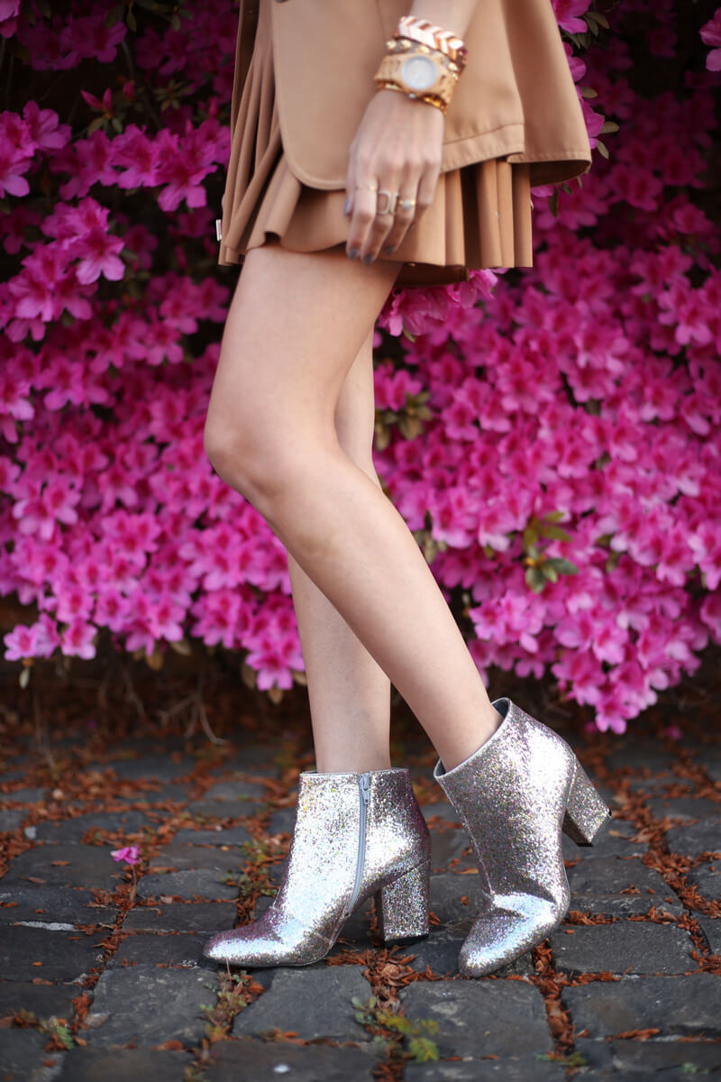 FashionCoolture - 19.08.2016 look du jour camel pleated skirt glitter boots (4)