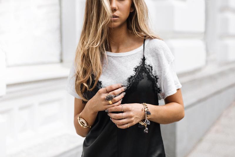 Tendência Sobreposição de camiseta com vestido