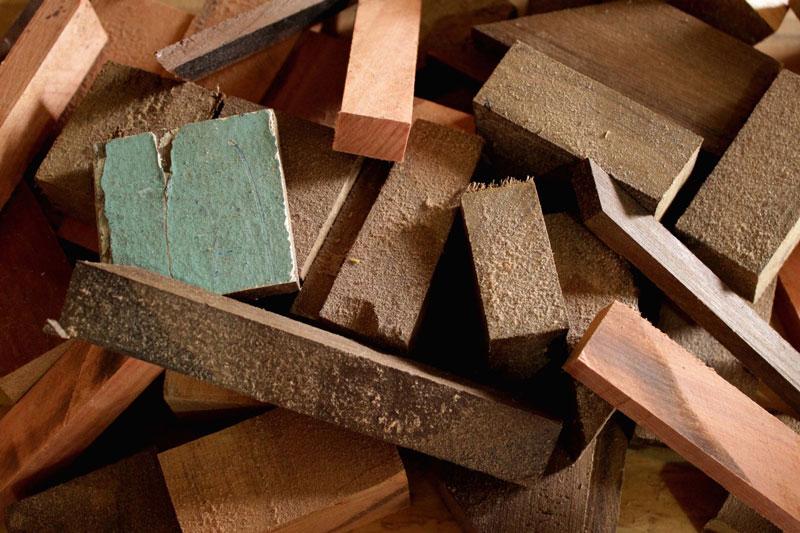 madeira reutilizada vira acessório