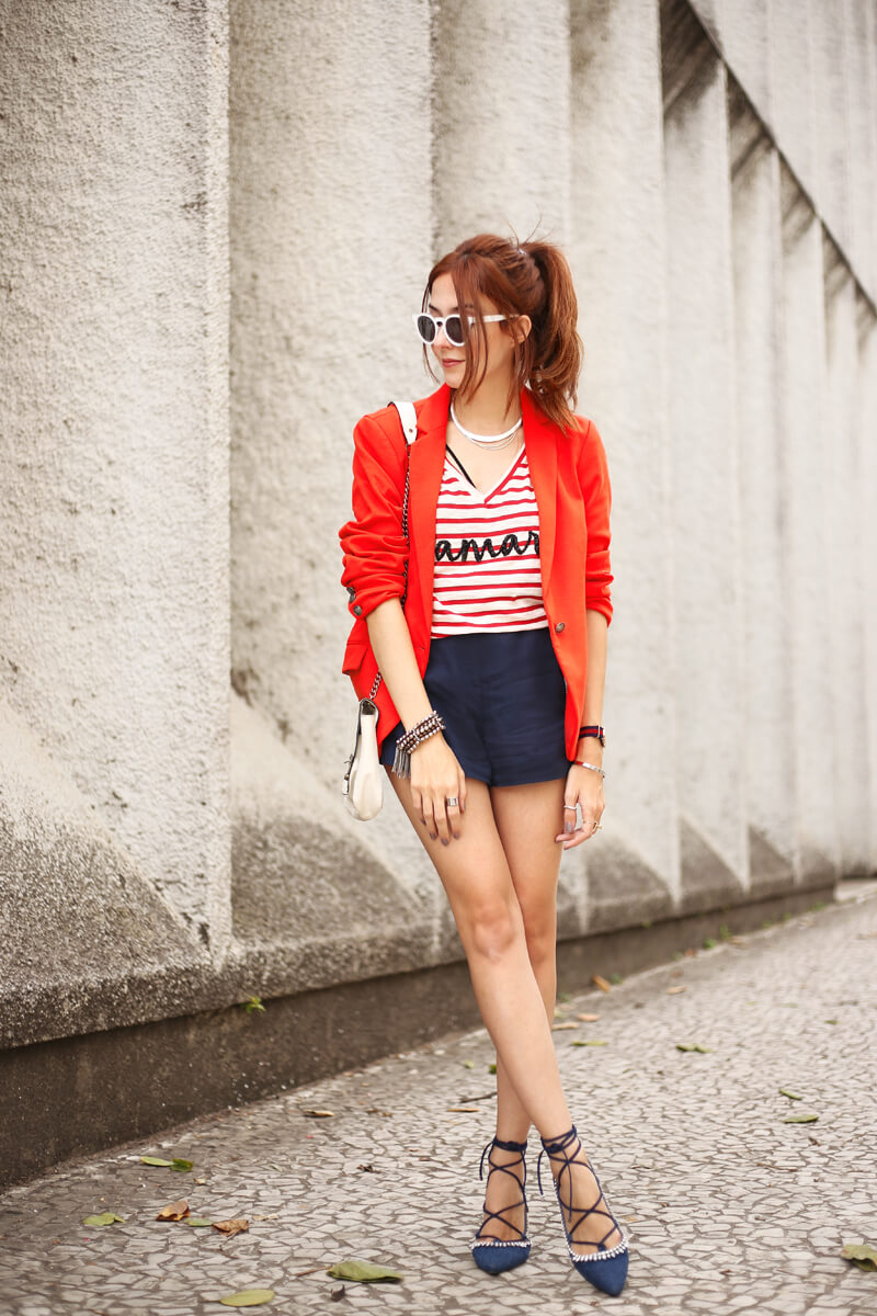 FashionCoolture - 05.09.2016 look du jour Shoulder navy red blazer striped top (1)