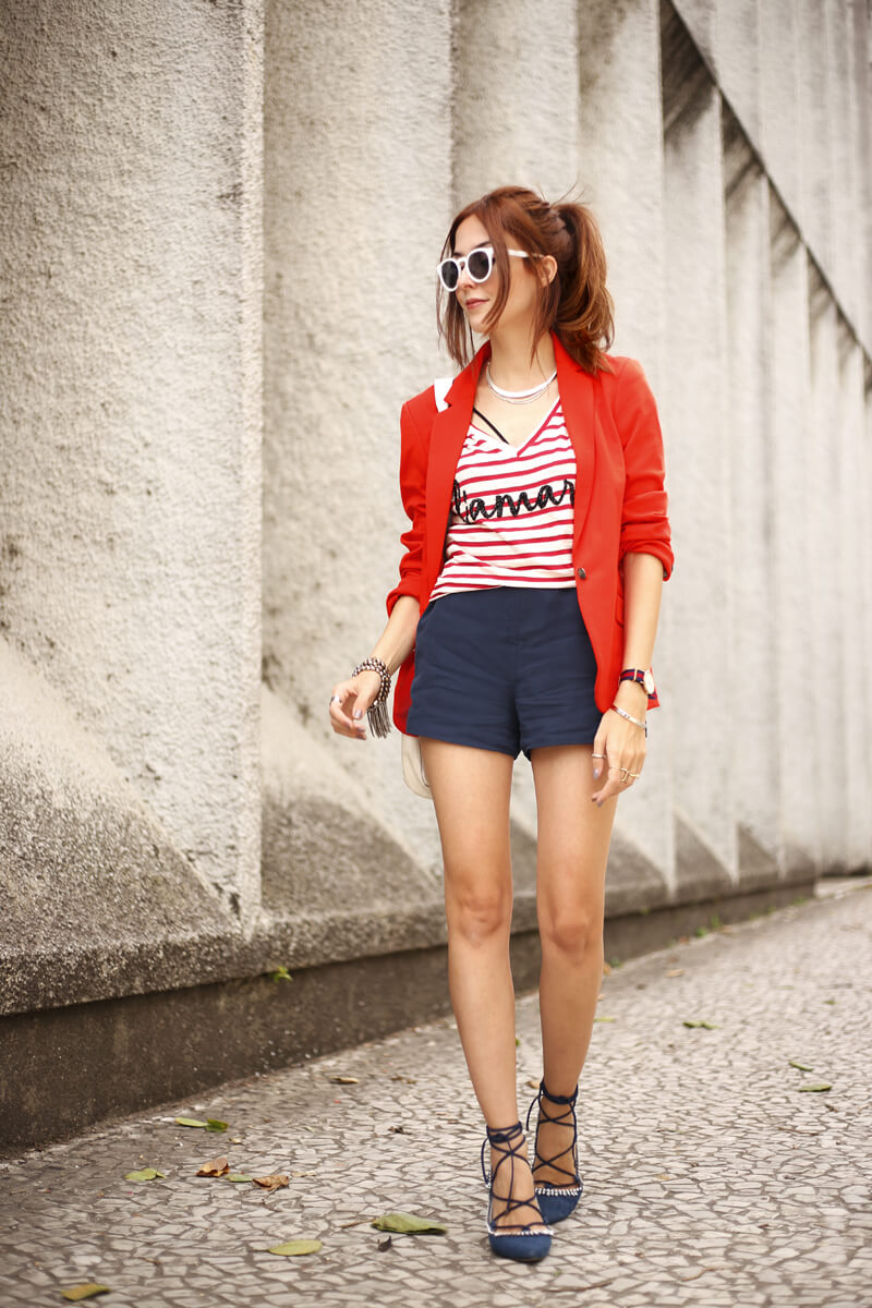 FashionCoolture - 05.09.2016 look du jour Shoulder look navy red blazer striped top (7)