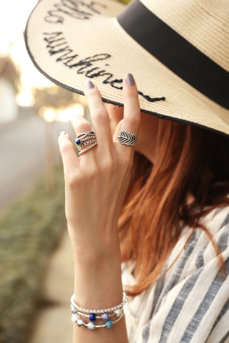 fashioncoolture-08-09-2016-look-du-jour-shoulder-striped-blazer-pandora-jewelry-6