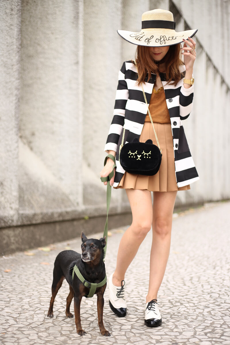 fashioncoolture-21-09-2016-look-du-jour-black-and-white-stripes-with-camel-skirt-1