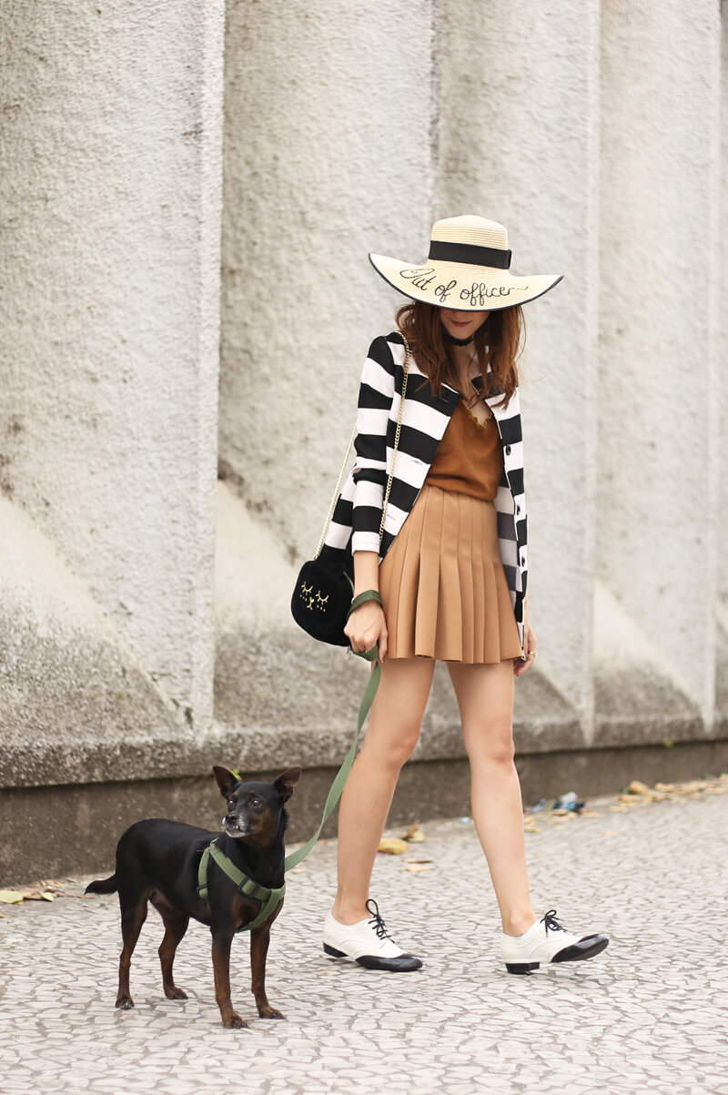 fashioncoolture-21-09-2016-look-du-jour-black-and-white-stripe coat-with-camel-skirt-6