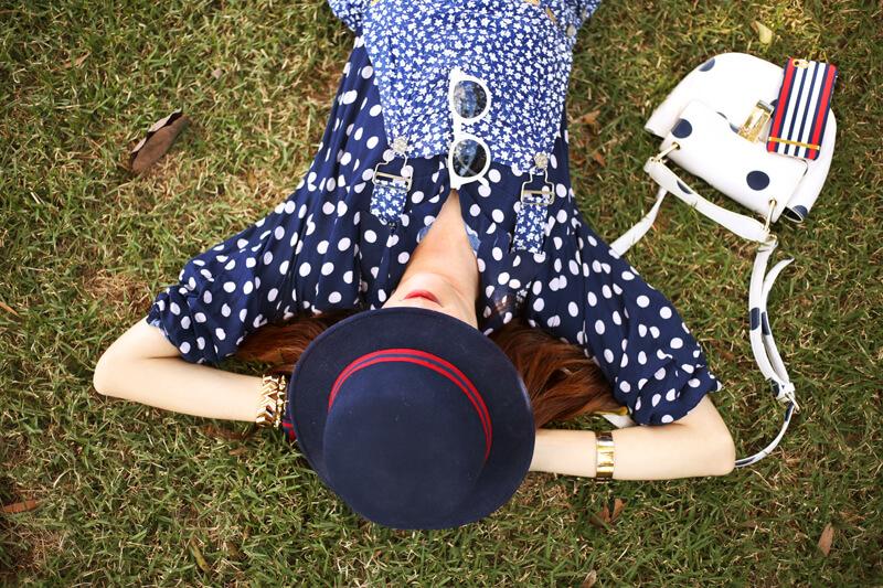 fashioncoolture-26-09-2016-look-du-jour-mix-of-prints-floral-romper-polka-dots-shirt-striped-shoes-5