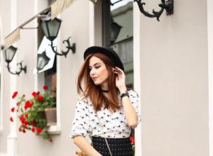 fashioncoolture-05-10-2016-look-du-jour-shoulder-black-pleated-skirt-1